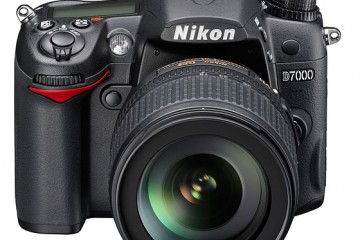 Nikon-D7000-front-t
